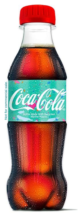 可口可乐推出世界上首款由海洋塑料制成的PET瓶子